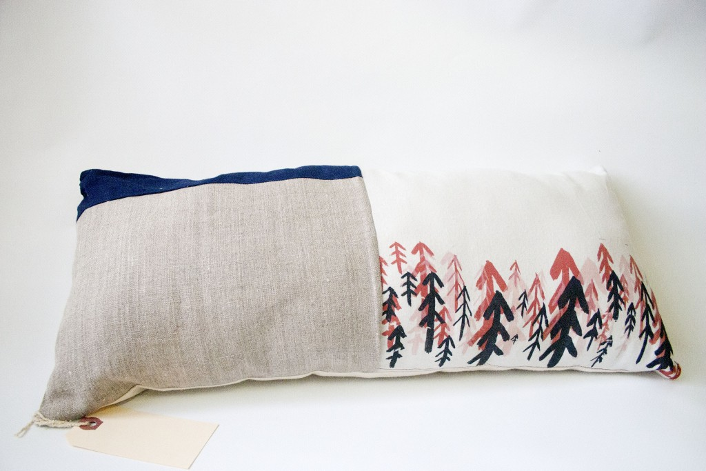 LongPatchworkPillow_cottonandlinen_silkscreen_ 21.5x9.5x4in_4
